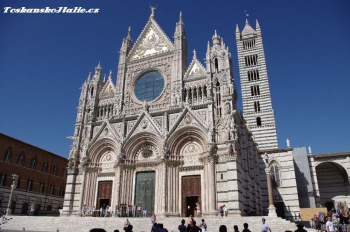 katedrála Piazza del Duomo